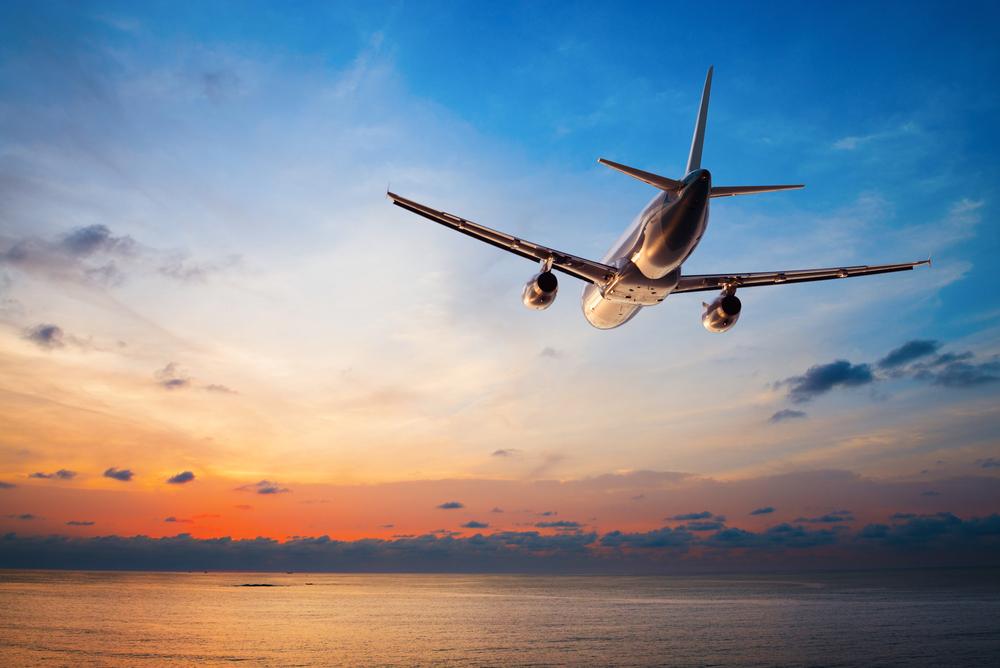 4 Cara Naik Pesawat Pertama Kali Tanpa Perasaan Takut dan Grogi