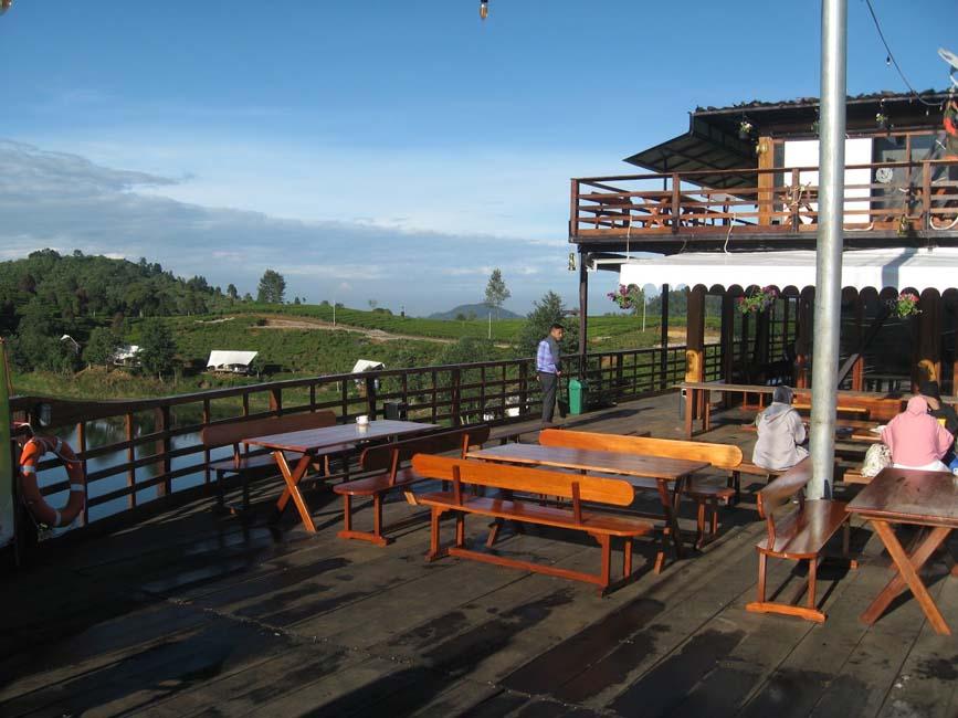 Pinisi Resto Rancabali Ciwidey Bandung