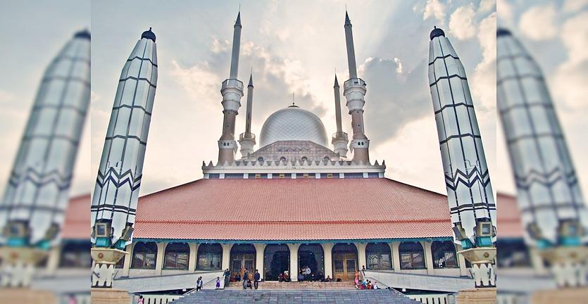 7 Tempat Yang Wajib Dikunjungi Di Semarang
