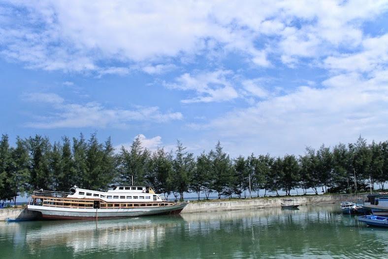 Dermaga Pulau Pari Kepulauan Seribu [Image: dzulfikaralala.com]