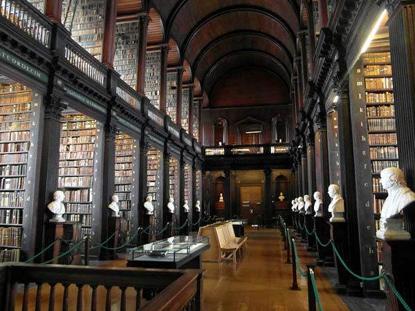 trinity-college-long-room-library-dublin-10