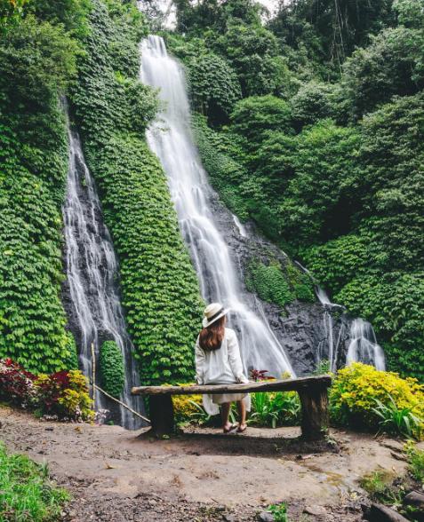 Air Terjun Kembar Banyumala yang Indah dan Hits di Instagram