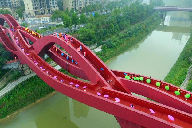 China Resmikan Jembatan dengan Desain Simpul Tali