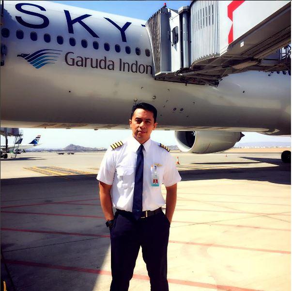 pilot-garuda-rinaldi-hanafi-4