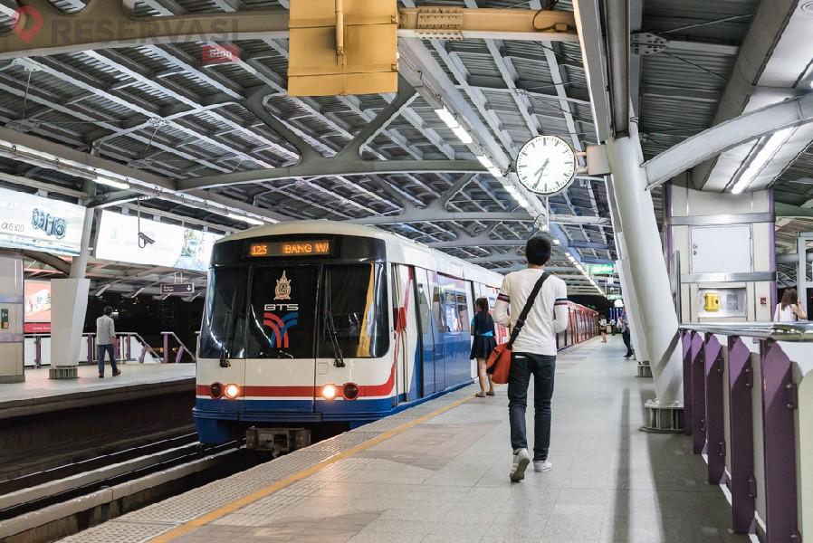 BTS Skytrain di Bangkok