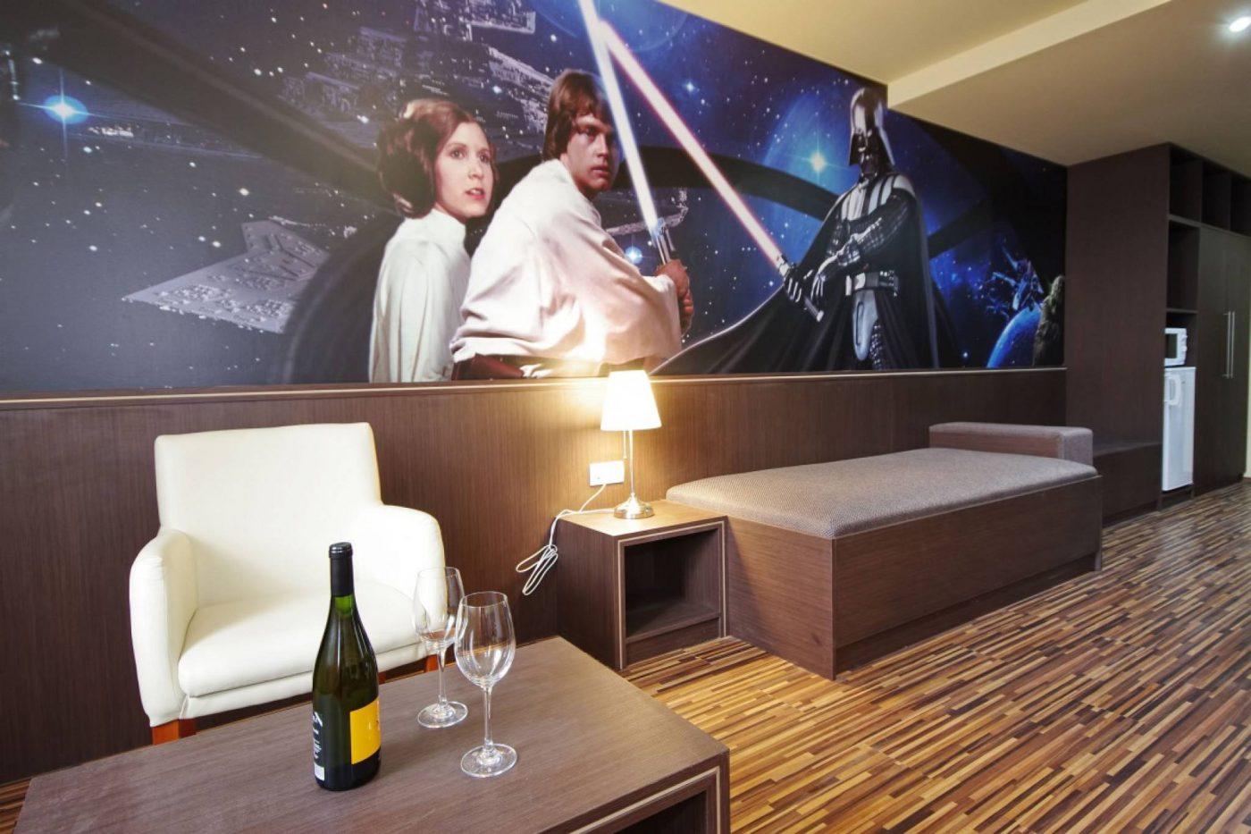 10 Hotel Bertema Film Keren di Dunia Ini Bikin Kamu Betah!
