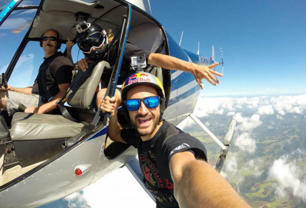 Kumpulan Foto Selfie Para Traveler Paling Ekstrim dan Menantang Maut Sepanjang 2016