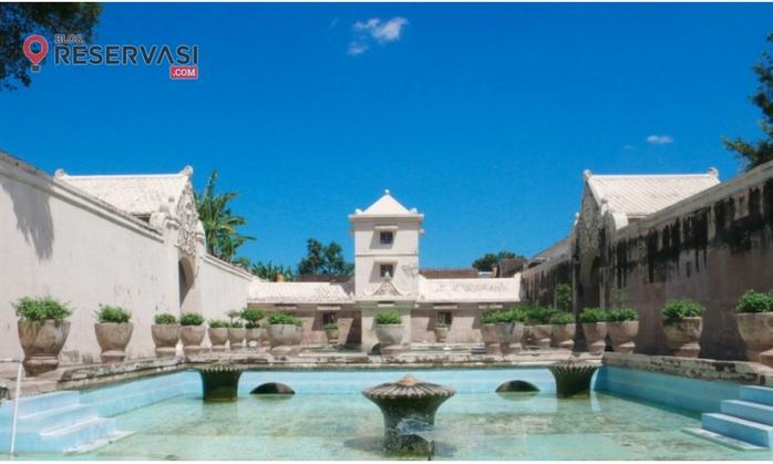 Menjelajah Indahnya Istana Air Taman Sari Yogyakarta