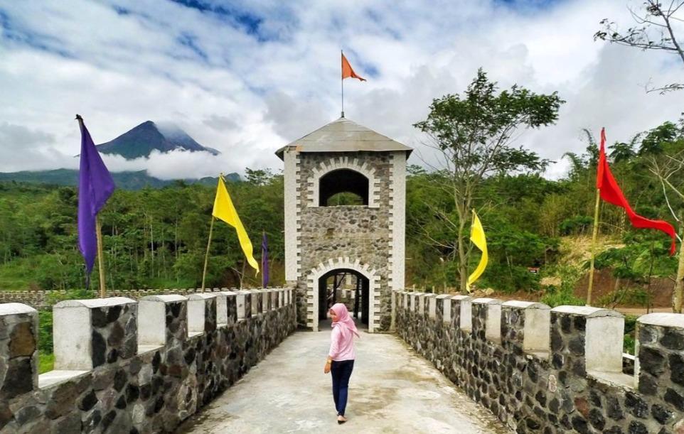 Masih Ingat Benteng Takeshi? Kini Hadir di Yogyakarta Lho!