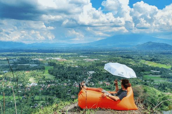 Indahnya Pesona Bukit Batu Manda di Sumatera Barat Ini