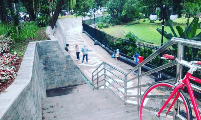 Menapaki Kota Hujan Lewat Pedestrian Kebun Raya Bogor