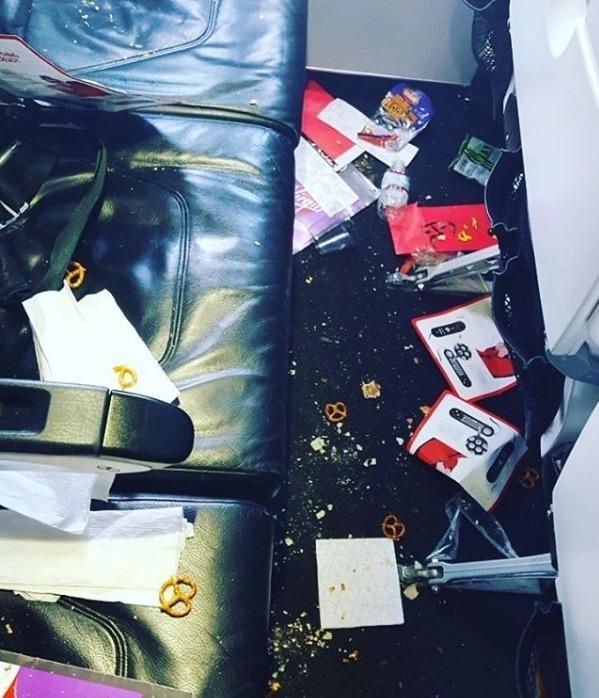 Etika saat di pesawat