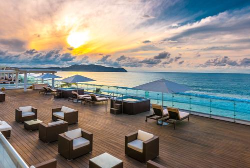 10 Hotel Unik Bernuansa Romantis untuk Honeymoon di Lombok