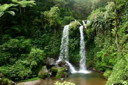 Wisata ke Air Terjun Grenjengan Kembar, Surga Tersembunyi di Magelang