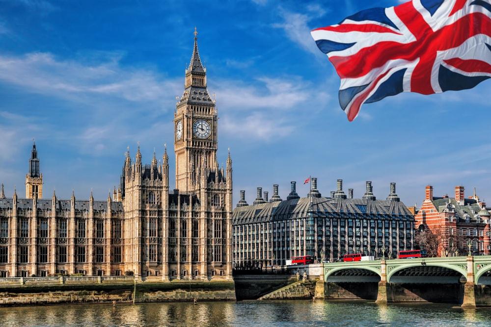 6 Larangan di Inggris yang Mungkin Tak Sadar Bisa Kamu Lakukan