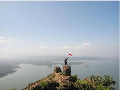 Wisata Baru Bukit Gantole Wonogiri Jadi Favorit Para Pemburu Sunset