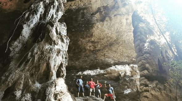 Menyusuri Wisata Gua Batu Cermin Labuan Bajo yang Indahnya Bikin Ketagihan!