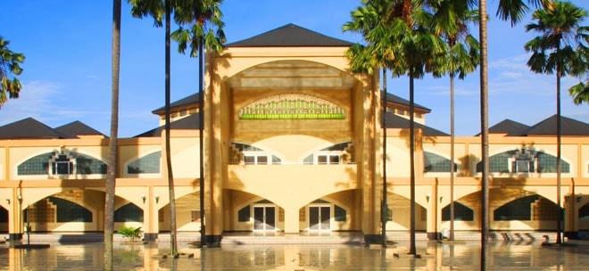 wisata bandung masjid pusdai bandung