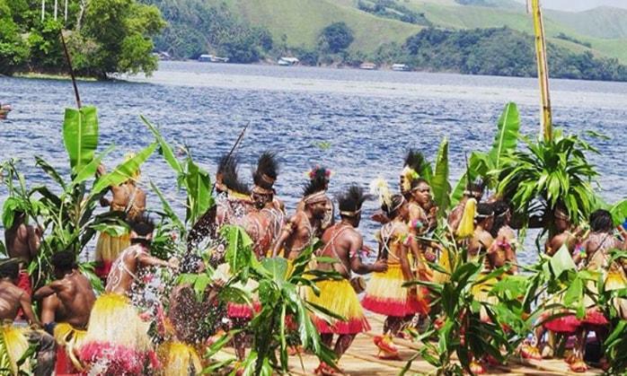 Pesona Keindahan Alam dan Budaya Jayapura di Festival Danau Sentani 2017