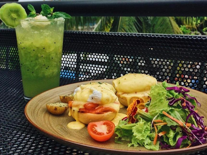 Dinner Romantis Berlatar Pantai Losari di Goedang Popsa Makassar