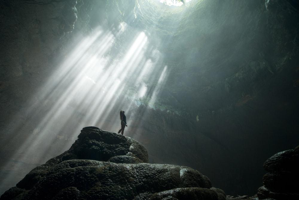 "Penampakan ""Cahaya Surga"" di Gua Jomblang Gunung Kidul"