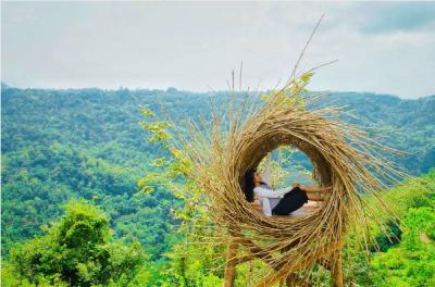 Surganya Pecinta Selfie, Intip Pesona Bukit Mojo Gumelem Imogiri di Sini!