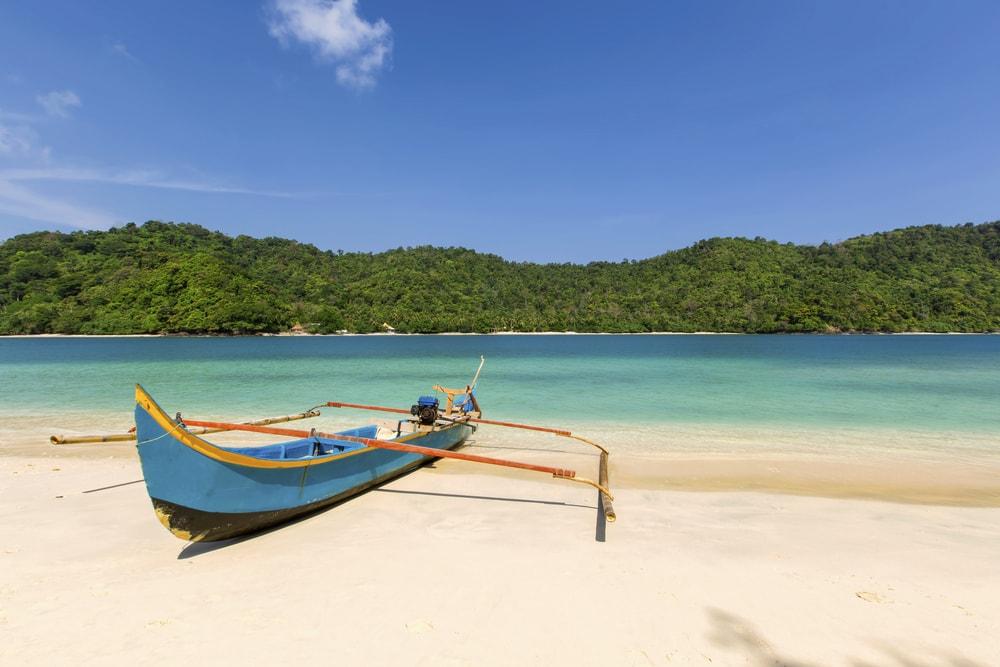 Teluk Kilauan Lampung, Destinasi Cantik yang Bisa Bikin Liburanmu Makin Asyik