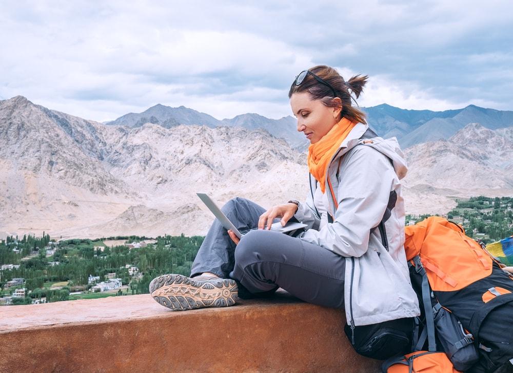 5 Pekerjaan Impian yang Bisa Sambil Traveling
