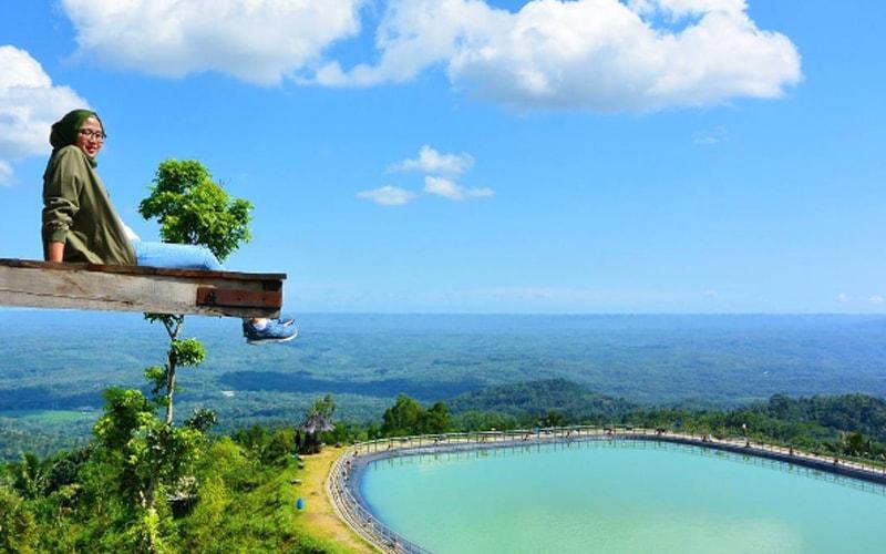 Embung Nglanggeran, Telaga di Atas Bukit dengan Pemandangan Menawan