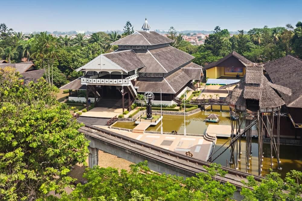 Taman Mini Indonesia Indah Gratis