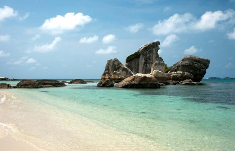 5 Wisata Pantai Terbaik di Belitung, Negerinya Laskar Pelangi
