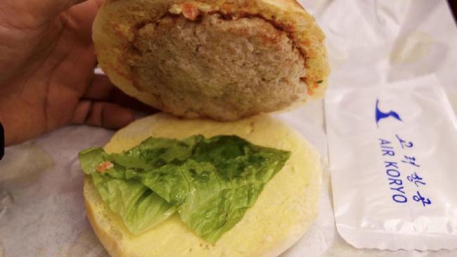Koryo Burger, Sajian Utama Maskapai Penerbangan Asal Korea Utara yang Dicap Miliki Kuliner Terburuk di Dunia