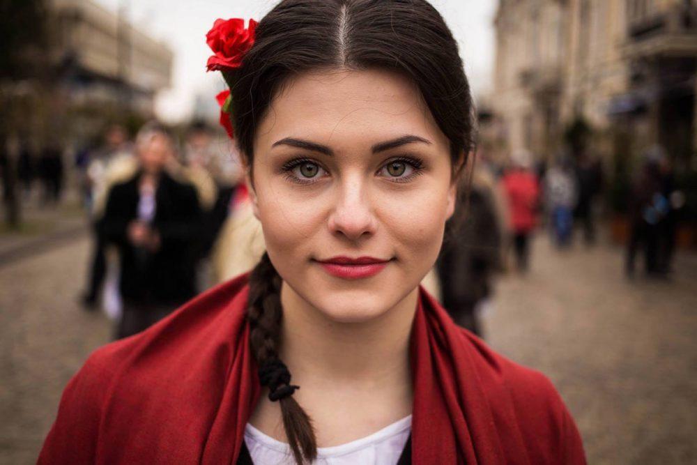 Foto Perempuan dari Belahan Dunia yang Menunjukkan Potret Kecantikan Berbeda