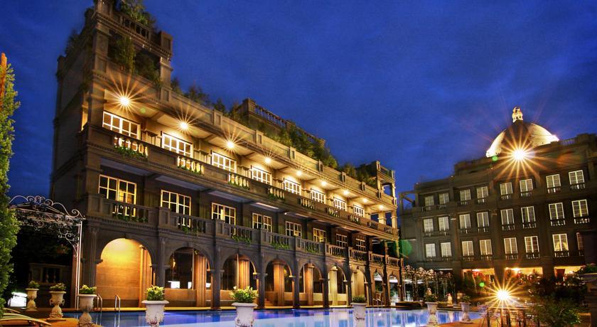 Selain Menginap, 5 Hotel Instagramable Ini Juga Sering Dipakai untuk Hunting Foto