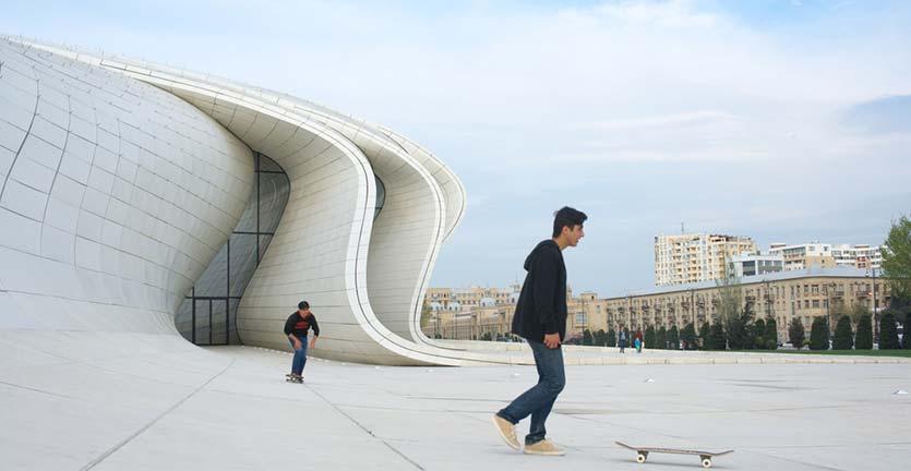 10 Bangunan dengan Desain Terbaik Karya Zaha Hadid