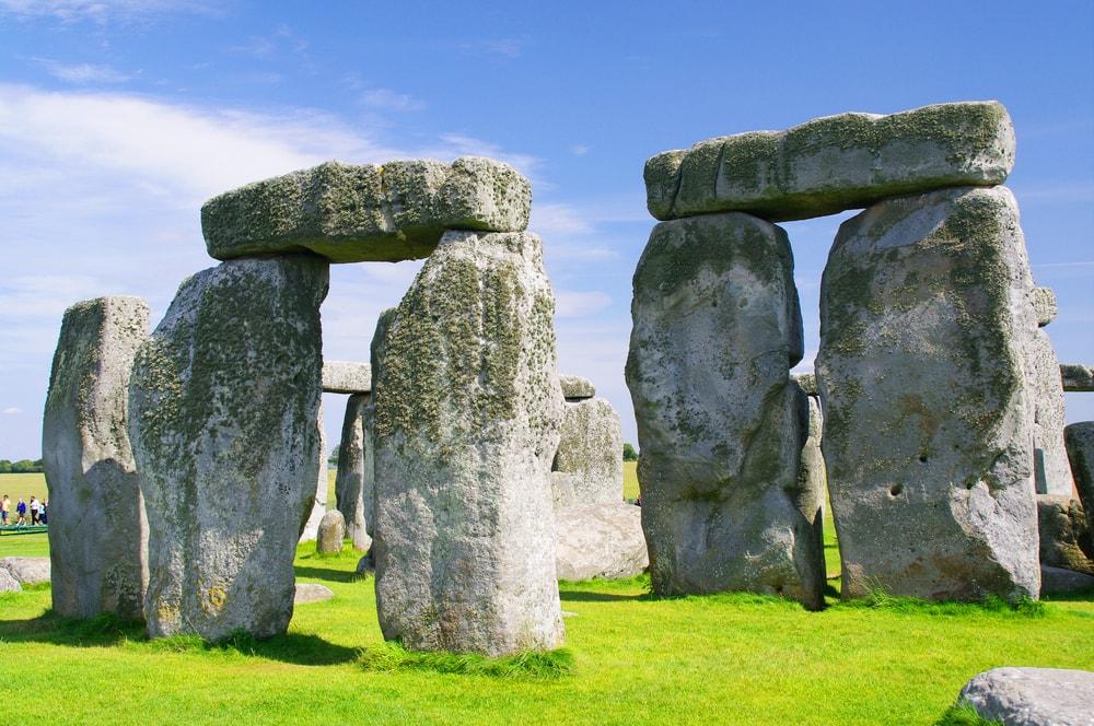 Hasil gambar untuk stonehenge cangkringan