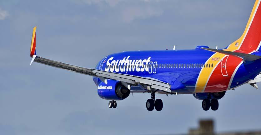 """Southwest Airlines Tolak Keluarga Pasangan Sesama Jenis gunakan Layanan """"Family Boarding"""""""