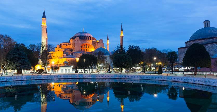 7 Tips Traveling Saat Ramadan, Tetap Hormati yang Berpuasa