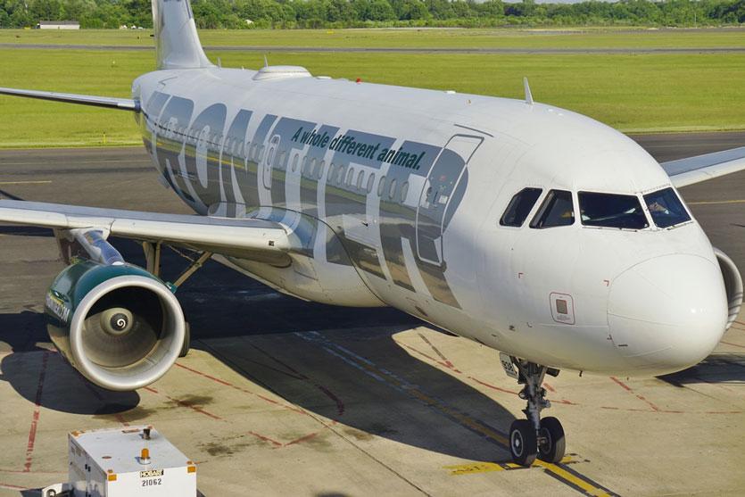 Tak Bisa Dipercaya, Pria Buta Ditolak Pesawat Frontier Airlines
