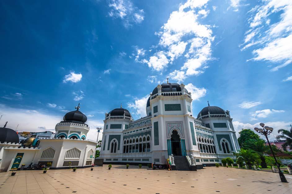 5 Masjid Raya Terkenal Tempat Salat Idul Fitri selain Masjid Istiqlal Jakarta