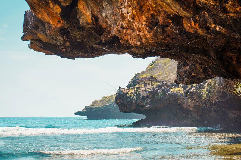 pantai paling hits di indonesia
