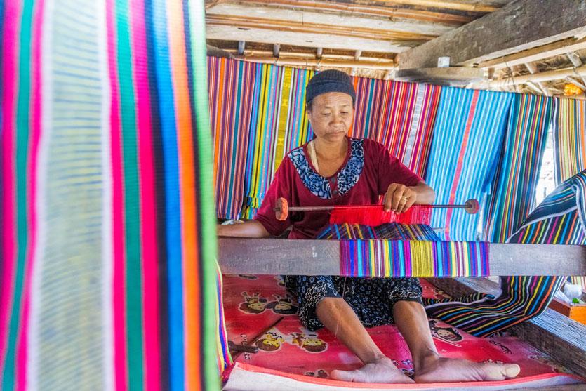 14 Oleh Oleh Khas Lombok yang Awet dan Tahan Lama Dibawa Pulang
