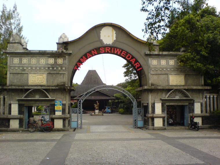 17 Tempat Wisata Di Solo Yang Unik Bersejarah Dan Cocok