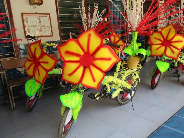 sepeda hias bunga