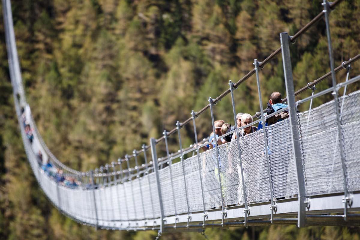Swiss Buka Jembatan Gantung Terpanjang di Dunia