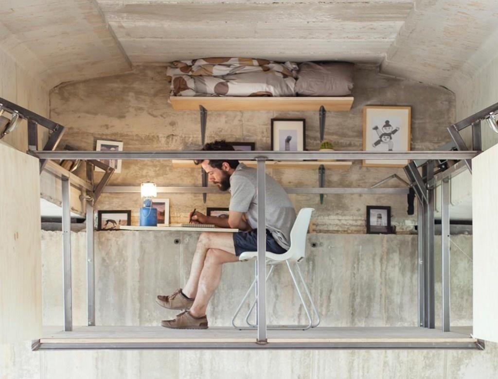 Keren! Desainer ini Bangun Studio Rahasia di Jalan Bawah Tanah