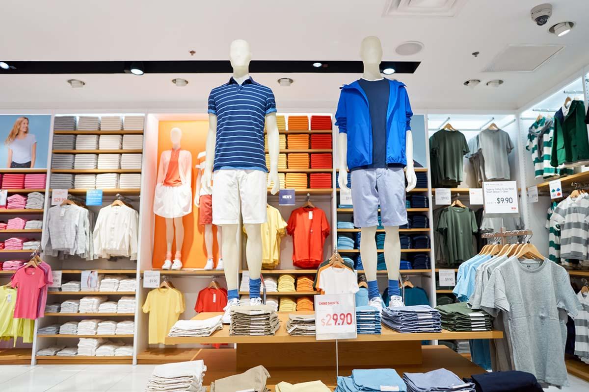 Lupa Bawa Baju Favorit? Tenang aja, Nanti Bakal ada Mesin Penjual Baju di Bandara