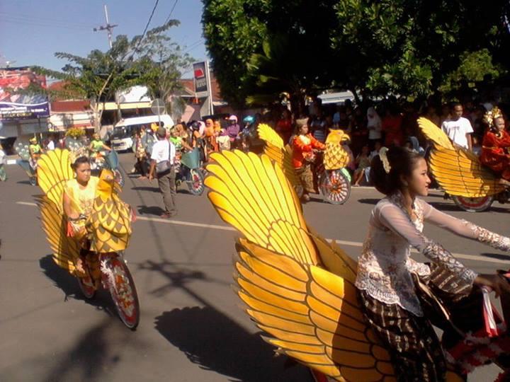 sepeda hias bentuk burung