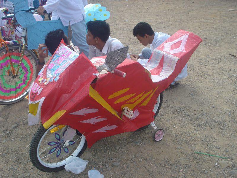 sepeda hias bentuk motor