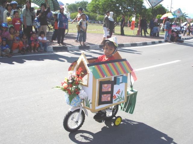 sepeda hias dari barang bekas